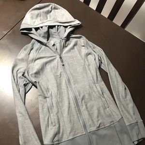 Lululemon size 6 zip-up hoodie layer
